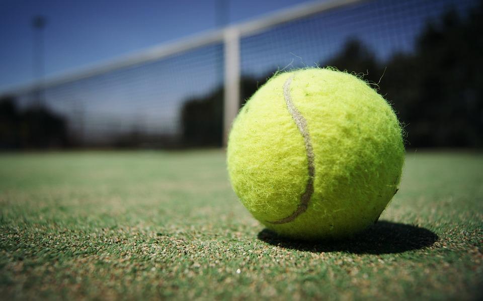 Rénovation du terrain de tennis en cours !